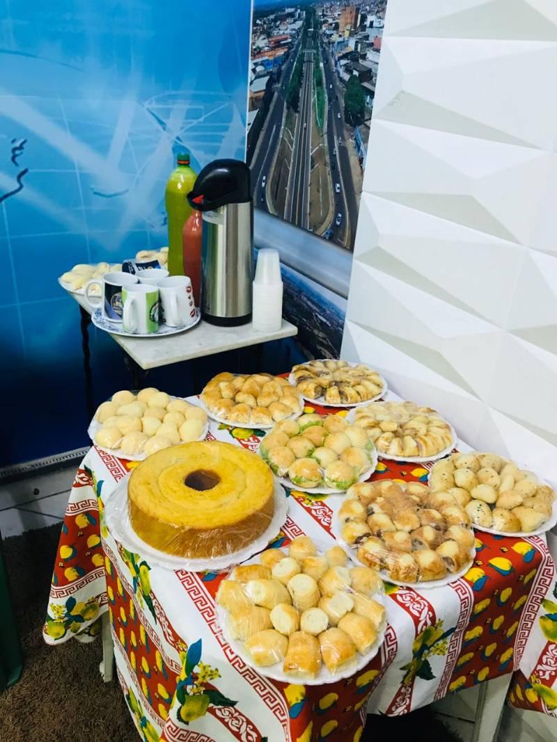 Bibiu participa de café da manhã em comemoração ao Dia Mundial do Rádio