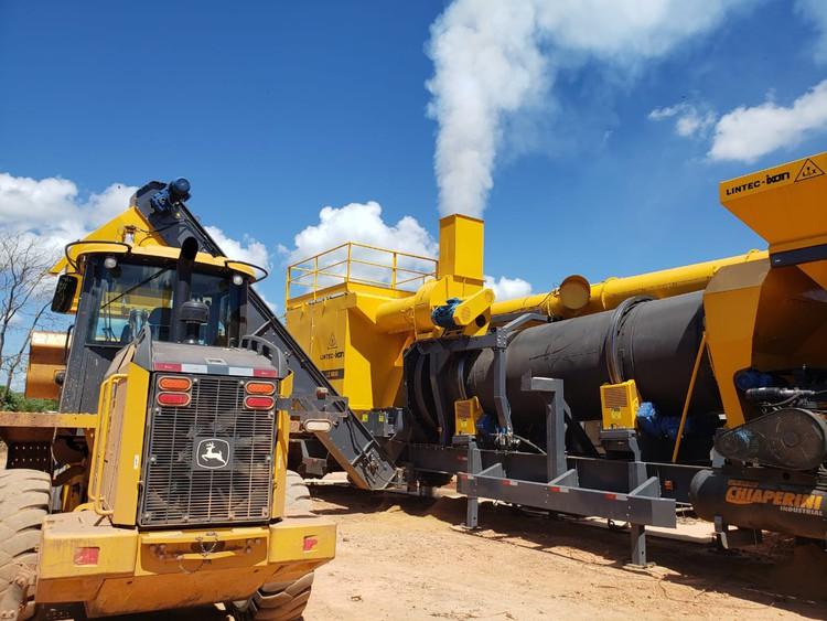 Usina tem a capacidade de produzir 80 toneladas de asfalto em 1 hora (Foto: Divulgação)