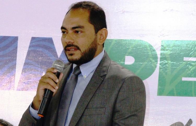 Prefeito Assis Ramos anuncia que irá flexibilizar à abertura do comércio na próxima segunda-feira 18
