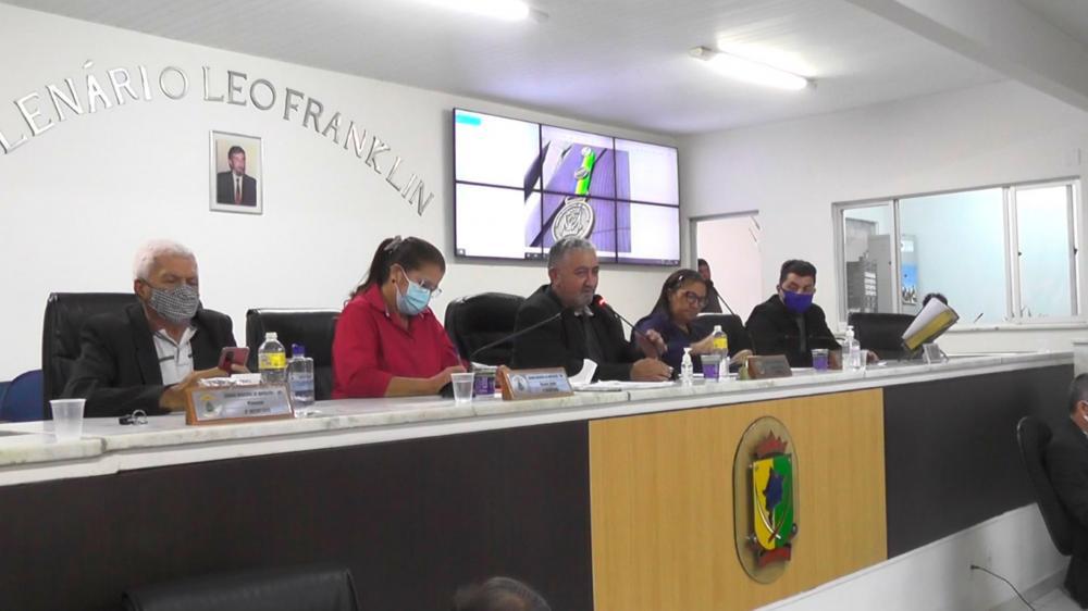 Com autorização da maioria, Câmara aprova compra do prédio da Escola Santos Dumont pela prefeitura (Foto: Divulgação/Sidney Rodrigues)