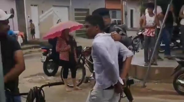Polícia prende um dos assaltantes que roubaram uma moto no Bacurí